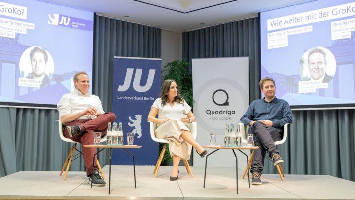 Die Quadriga Hochschule Berlin und ihr Campus ist zudem Gastgeber für zahlreiche Veranstaltungen wie dem Talk zwischen den Vorsitzenden der JU (Tilman Kuban) und JuSo (Kevin Kühnert), bei dem auch viele Studierende und Alumni zu Gast waren. (Foto: Legler / Quadriga)