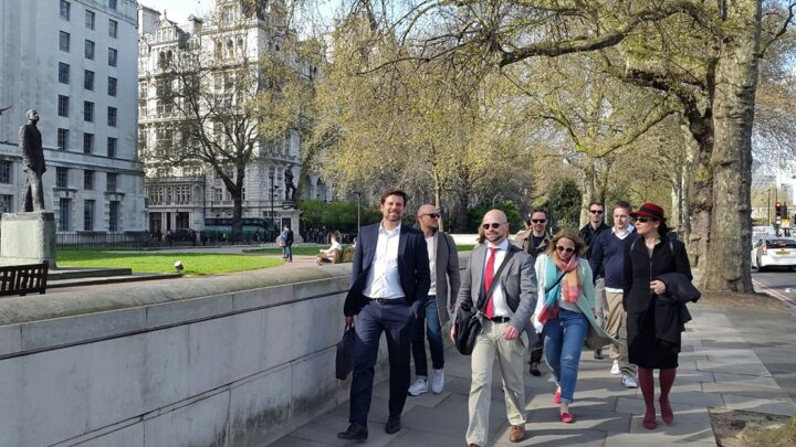 Der MBA Communication & Leadership war neben Praxisausflügen nach London (auf dem Bild) zuletzt auch in Bukarest und Helsinki. (Foto: Privat)