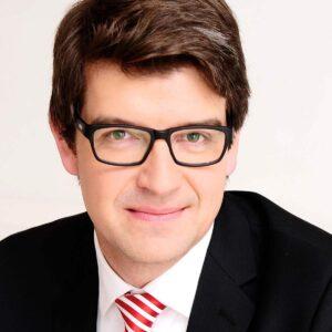Marc Schlichtner ist Principal Key Expert bei Siemens Healthineers Digital Health und an der Quadriga Hochschule als Beiratsmitglied, Mentor und Gastdozent aktiv.